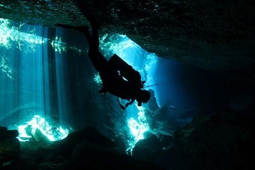 Khám phá 10 hang động dưới lòng thủy cung đẹp nhất thế giới - 5