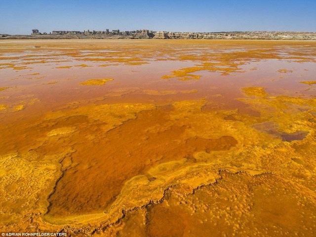 """""""Cánh đồng vàng"""" núi lửa đẹp như mơ ở Ethiopia - 3"""