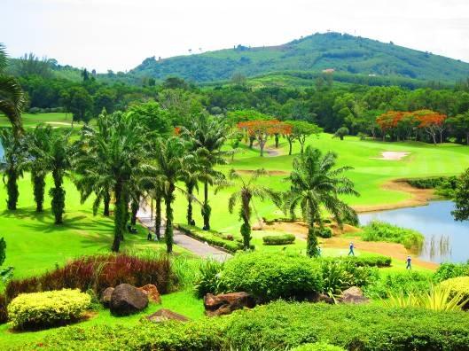 Đánh golf ở hòn đảo lớn nhất Thái Lan - 2