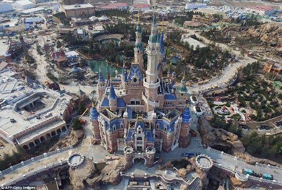 Ảnh chụp trên không về Disneyland Thượng Hải: Cháy vé khai mạc chỉ trong vài giờ - 1