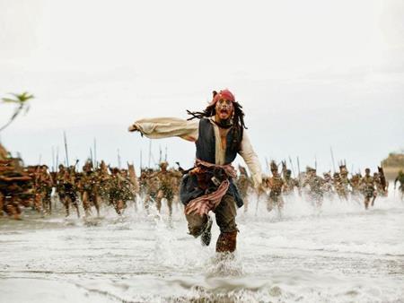 """Chi phí sản xuất của Pirates of the Caribbean: Dead mans chest (2006) sau khi đã điều chỉnh theo lạm phát là 265.2 triệu đô la, nhỉnh hơn một chút so với siêu phẩm """"Avatar""""."""