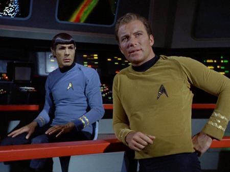Thương hiệu Star Trek từ lâu đã trở thành một biểu tượng của dòng phim khoa học viễn tưởng. Bản phim truyền hình bắt đầu từ những năm 60 của thế kỉ trước sớm đã trở thành một phần của văn hóa Mỹ và bản điện ảnh được khởi động lại gần đây cũng tiếp tục cho thấy mức độ ảnh hưởng đại chúng của mình.