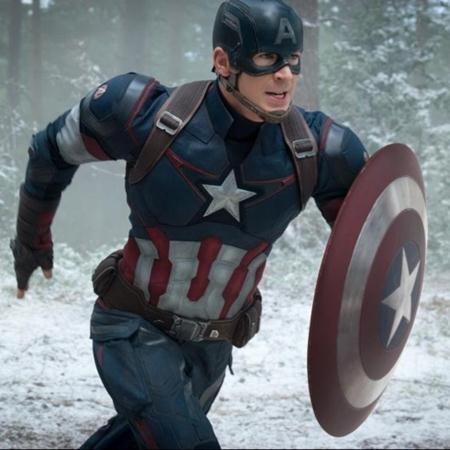 """Sau thành công của phần 1 và phần 2, Captain America: The first Avenger và Captain America: The winter soldier, hãng Marvel vừa cho ra mắt phần ba bộ phim """"Captain America: Civil war"""" và ngay lập tức nhận được một cơn mưa lời khen từ phía người hâm mộ cũng như giới phê bình, thậm chí, đã có nhiều ý kiến đánh giá, """"Captain America: Civil war"""" chính là bộ phim xuất sắc nhất từ trước đến nay của Vũ trụ điện ảnh Marvel."""