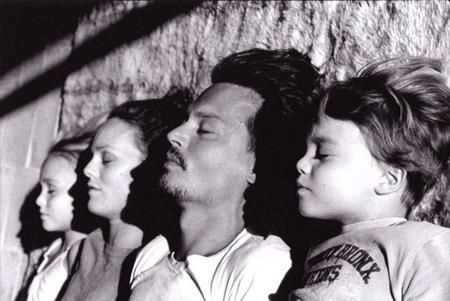 Johnny Depp đã từ bỏ tổ ấm cùng Vanessa Paradis…
