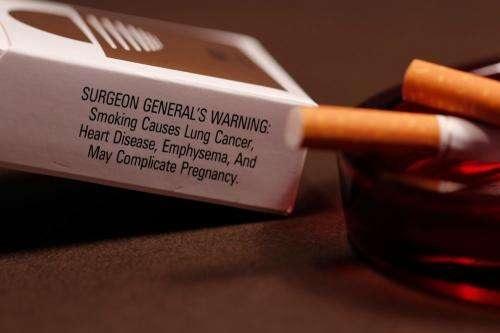 Hút thuốc làm tổn hại hầu hết các cơ quan trong cơ thể và dẫn đến mắc nhiều bệnh. Nguồn: CDC/Debora Cartagena