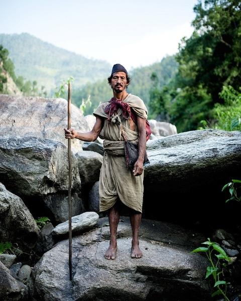 """Những bức ảnh về bộ lạc """"người rừng"""" cuối cùng trên thế giới - 1"""