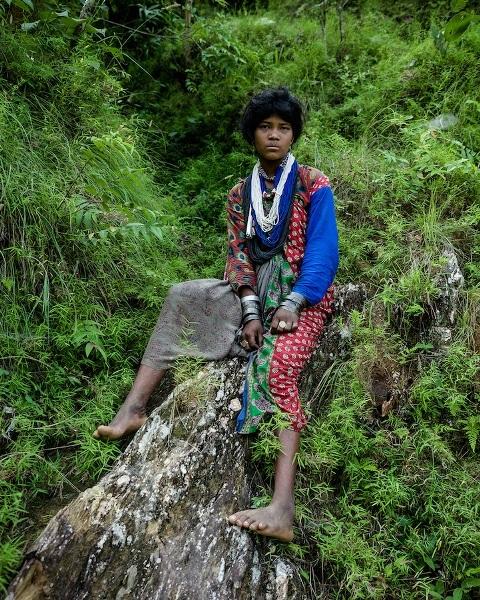 """Những bức ảnh về bộ lạc """"người rừng"""" cuối cùng trên thế giới - 2"""