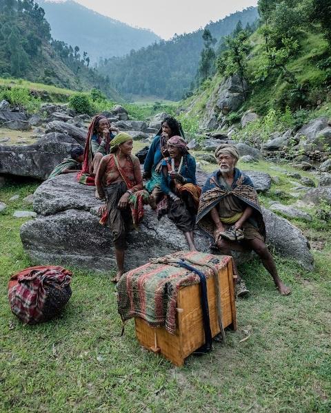 """Những bức ảnh về bộ lạc """"người rừng"""" cuối cùng trên thế giới - 8"""
