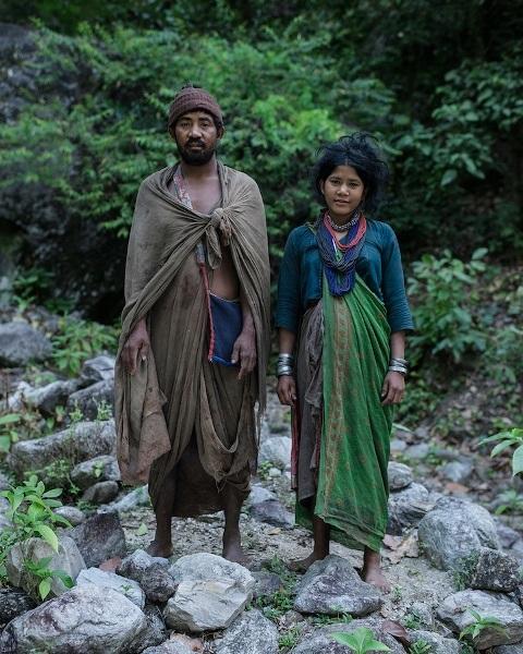"""Những bức ảnh về bộ lạc """"người rừng"""" cuối cùng trên thế giới - 15"""