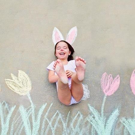 Bé biến thành chú thỏ trắng đáng yêu rồi này!