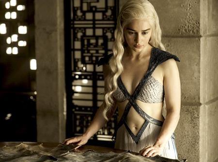 Emilia đã gặt hái được thành công lớn với vai diễn Daenerys Targaryen