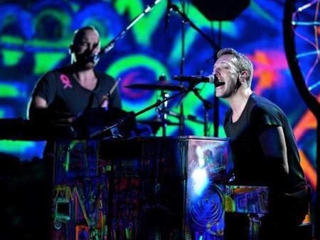 """Coldplay, á quân của bản danh sách, không chỉ là một trong 10 nghệ sĩ có doanh thu lưu diễn """"khủng"""" nhất mà Coldplay còn lọt top những nghệ sĩ có doanh số bán vé cao nhất trong từng show diễn"""