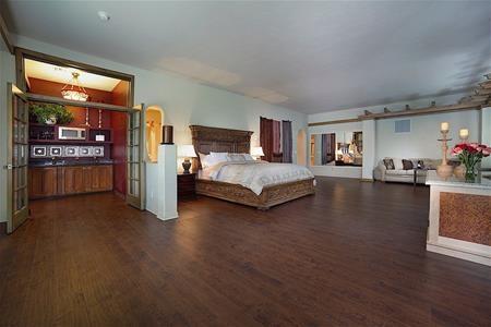 Một trong 7 phòng ngủ sang trọng của căn biệt thự