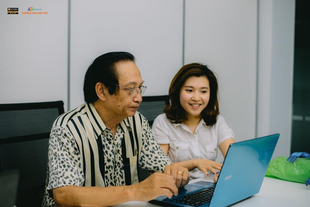 TS. Nguyễn Lê Minh - nguyên Phó Vụ trưởng, Phó ban chương trình quốc gia về vấn đề việc làm trả lời tư vấn cho độc giả Dân trí.