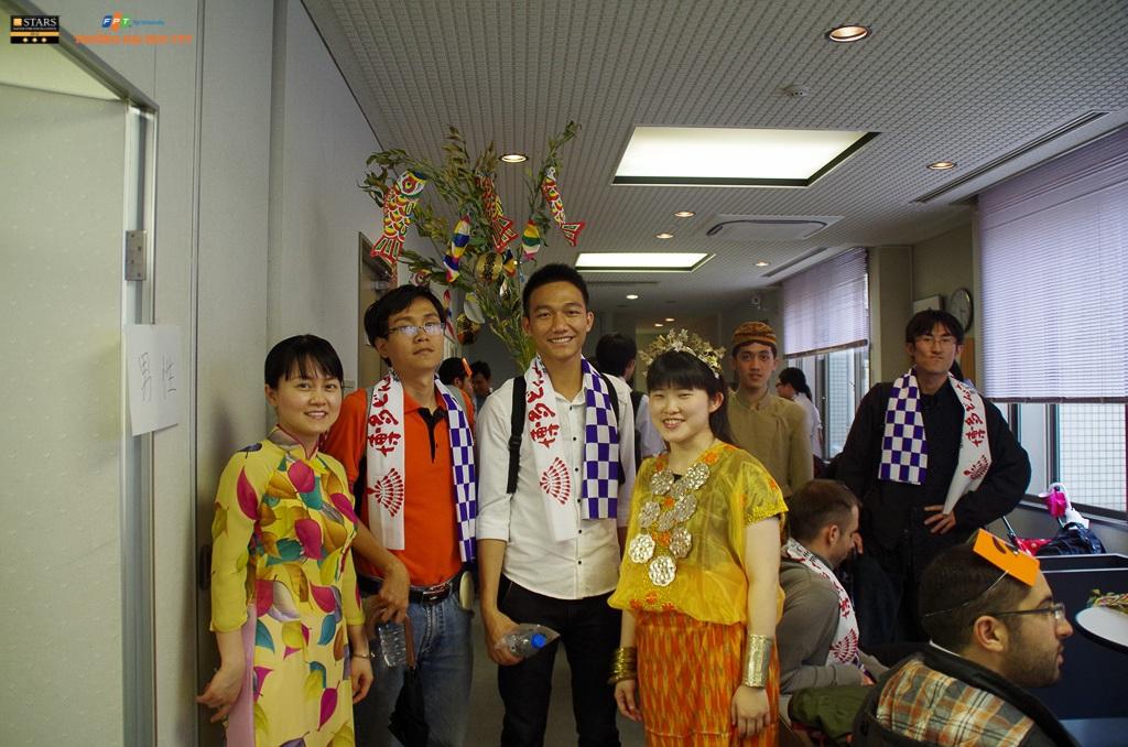 Việc tham gia học kỳ ở nước ngoài giúp sinh viên hiểu biết sâu rộng và thích nghi dễ dàng với mọi nền văn hóa, để khi ra trường có thể làm việc ở bất kỳ nơi nào trên thế giới.
