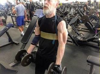 Ở tuổi 61, J.K. Simmons…