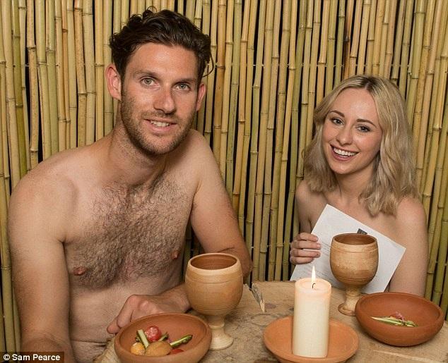 Hai nhà báo của Mail Online là Emily Hodgkin, 24 tuổi và James Dunn, 31 tuổi, đã có mặt tại đêm khai trương nhà hàng Bunyadi ở phía đông nam London