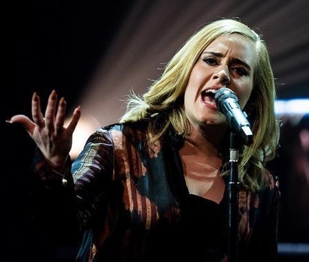 Nhà sản xuất âm nhạc đã có những nhận xét không hay về giọng hát của Adele