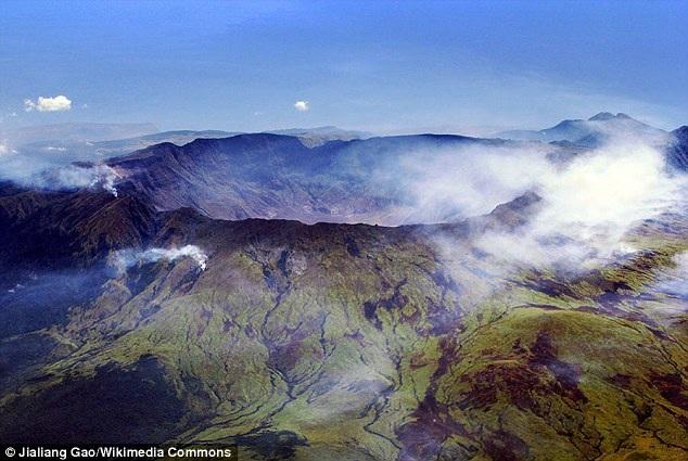 Năm 1815, núi lửa Mount Tambora ở Indonesia đã phun trào, đây là đợt phun trào kỷ lục trong lịch sử về khí hậu toàn cầu, nhiệt độ toàn cầu hạ thấp xuống và gây ra mưa lớn, hủy hoại mùa màng