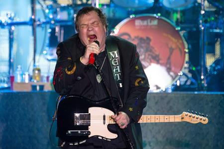 Hồi năm 2011, Meat Loaf cũng từng bị đột quỵ trên sân khấu