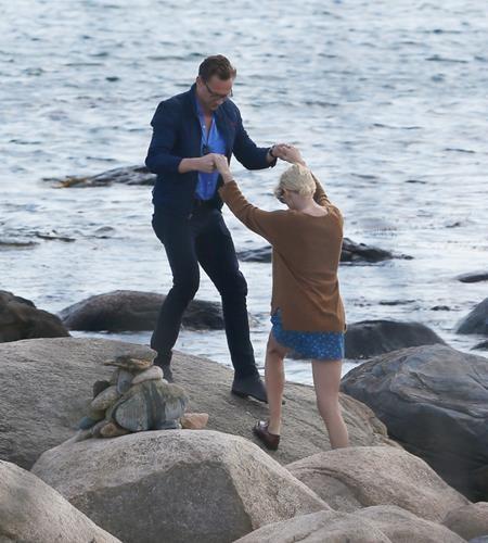 Sự kết nối giữa Taylor Swift và Tom Hiddleston…