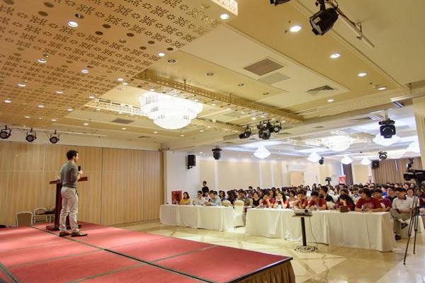 Các buổi hỗ trợ kỹ năng, chia sẻ kinh nghiệm của Ivycation được tổ chức miễn phí với mong muốn cung cấp hành trang bổ ích cho học sinh Việt có ước mơ du học Mỹ.