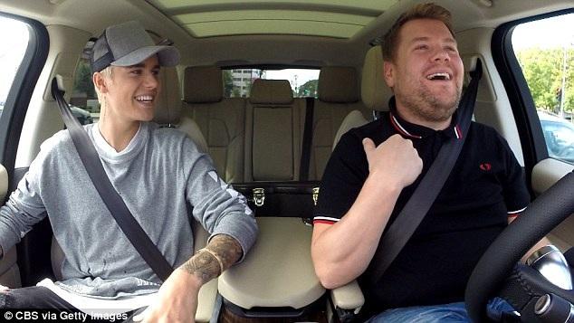 Justin Bieber cũng đã xuất hiện hơn 1 lần bên James, ca sỹ người Canada cũng là vị khách được khán giả trẻ yêu thích