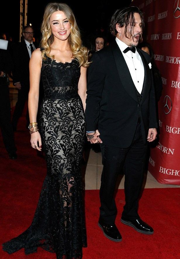 """""""Cướp biển"""" Johnny Depp kém sắc bên vợ trẻ - 2"""