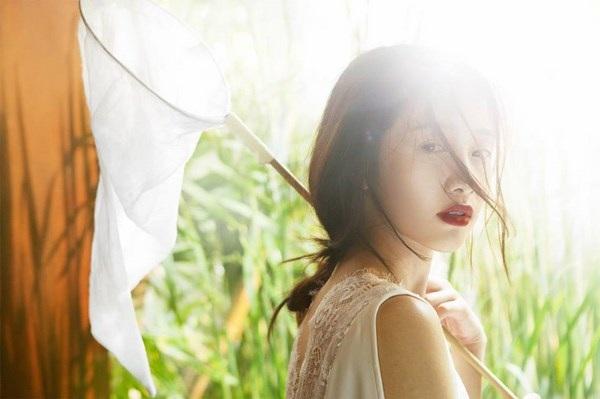 Jun Vũ diện ren trắng trong suốt giữa đồng lúa non mùa hạ - 7