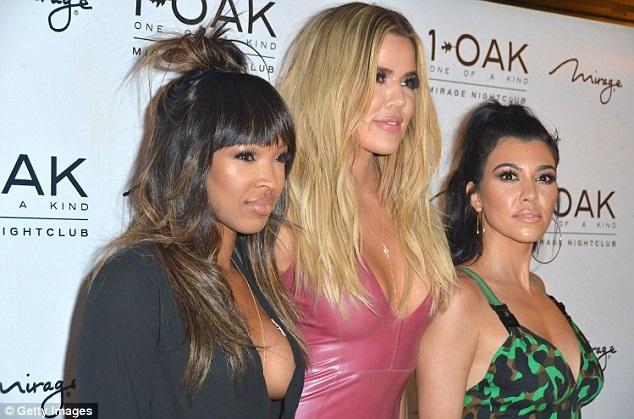 Khloe và chị gái Kourtney Kardashian là tâm điểm thu hút sự chú ý