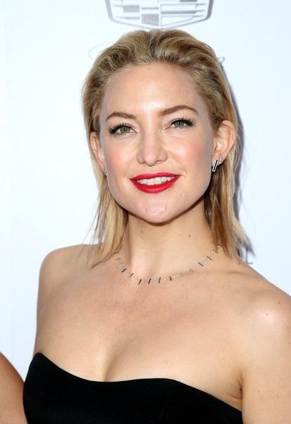 Kate Hudson dự lễ trao giải thời trang Los Angeles diễn ra tại Mỹ ngày 21/3 vừa qua