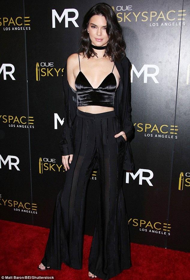 Là 1 trong 10 siêu mẫu có thu nhập cao nhất thế giới năm 2015, Kendall thừa nhận cô phải nỗ lực nhiều để thoát khỏi cái bóng quá lớn của gia đình