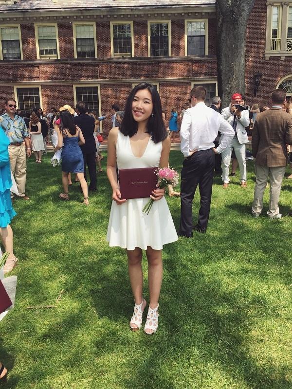 Kiều Anh trong lễ tốt nghiệp trường trung học Loomis Chaffee, Hoa Kỳ.