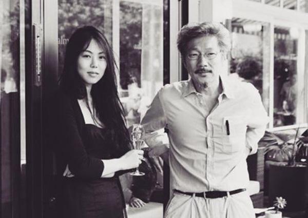 Nữ diễn viên Kim Min Hee (34 tuổi) và đạo diễn Hong Sang Soo (54 tuổi) vẫn bí mật hò hẹn