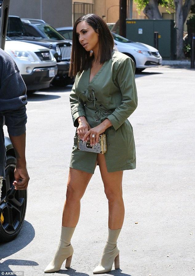 Ngôi sao truyền hình thực tế 36 tuổi gây ngạc nhiên với fans khi đổi tóc hoàn toàn khác với phong cách thường thấy của cô