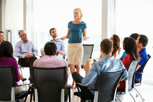 Nói nhanh và có điểm dừng đúng lúc giúp tăng khả năng thuyết phục