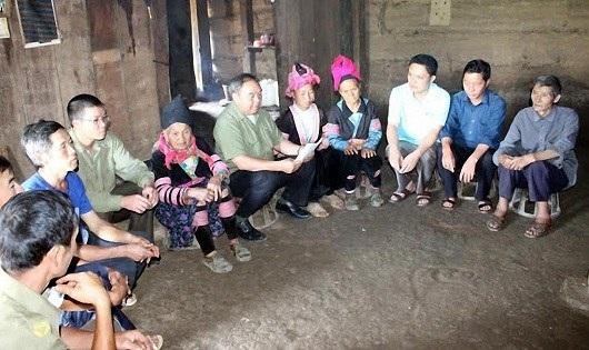 Tuyên truyền về quy định xuất nhập cảnh cho người dân ở xã Sam Mứn, huyện Điện Biên (Điện Biên).