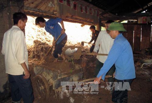2 người chết, hàng trăm ngôi nhà sập đổ, hư hỏng do mưa lũ ở Yên Bái - 3