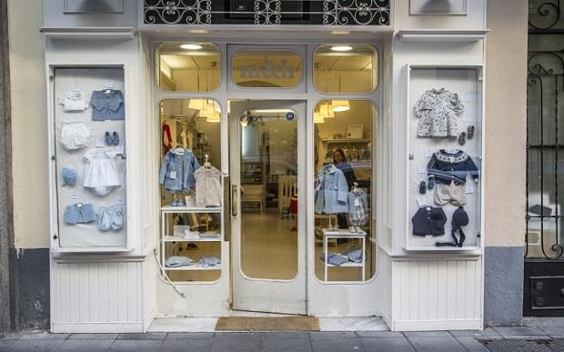 Cửa hàng M&H tại thành phố Madrid, Tây Ban Nha, là nơi nhãn hàng này khởi nghiệp và sau đó mở nhiều cửa hàng tại London, Anh.