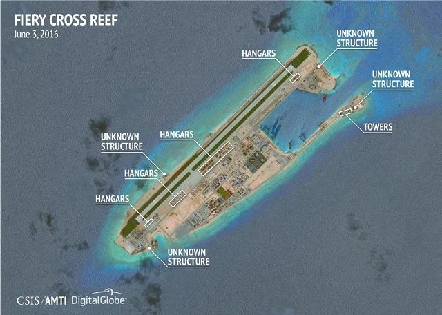 Nhiều cấu trúc chưa thể xác định trong ảnh chụp vệ tinh về hoạt động xây dựng trái phép của Trung Quốc ở Đá Chữ Thập. (Ảnh: CSIS)