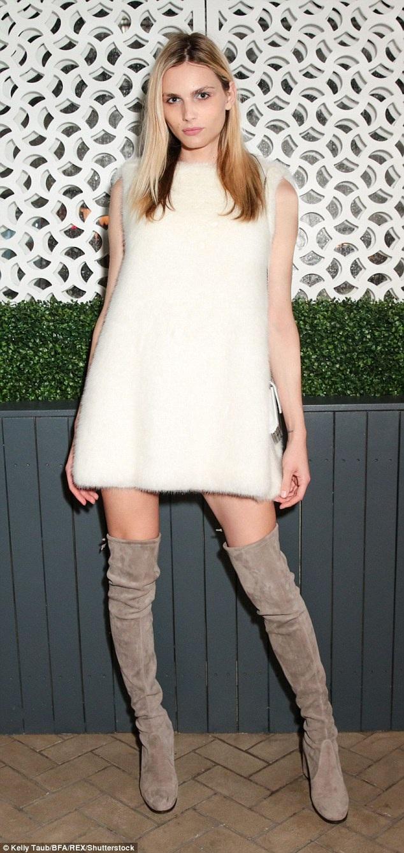 Nhìn ngắm người mẫu Úc cao 1,85m này, ít người tin rằng cô là nam giới cách đây khoảng hơn 2 năm