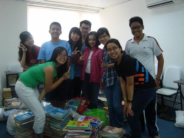 Thy vận động quyên góp sách cho trẻ em nghèo huyện Cư MGar, Đắk Lắk.