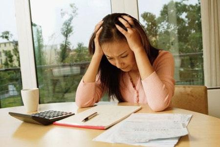 Nhiều người không hề biết tình trạng nhanh mệt, đau đầu, thiếu tập trung là do thiếu máu, máu lưu thông kém. (Ảnh minh họa)