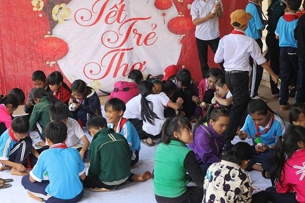 """Hơn 300 thiếu nhi tham dự chương trình """"Tết trẻ thơ""""."""
