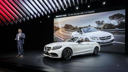Xe Mercedes-Benz C63 AMG