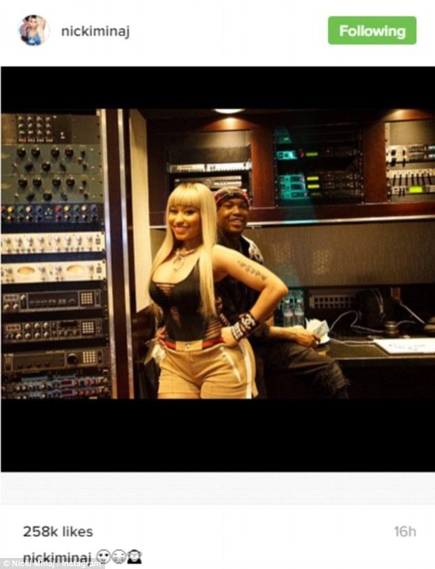 Nữ ca sỹ cá tính hẳn sẽ có sự kết hợp thú vị với Rapper Lil Wayne khi 2 người vào studio cùng với nhau