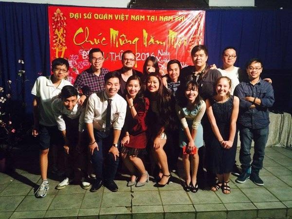 Các du học sinh Việt hào hứng, vui tươi khi được tụ họp đón năm mới.