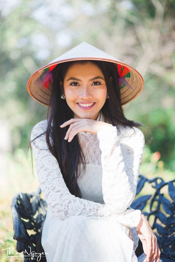 Miss du học sinh Việt 2015 Vũ Nam Phương sở hữu vẻ đẹp tự nhiên hút ánh nhìn.