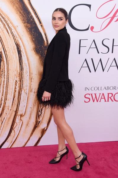 Người đẹp ăn vận thanh lịch khi dự lễ trao giải của hiệp hội thời trang Mỹ