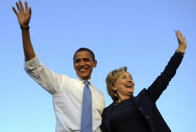 Tổng thống Mỹ Barack Obama (trái) và bà Hillary Clinton. (Ảnh: AFP)